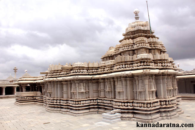 k.R.S. Venugopalaswamy temple, ಕನ್ನಂಬಾಡಿ ವೇಣುಗೋಪಾಲಸ್ವಾಮಿ ದೇವಾಲಯ, our temples.in, T.M.Satish, Journalist, temples in and around Bangalore, temples of karnataka